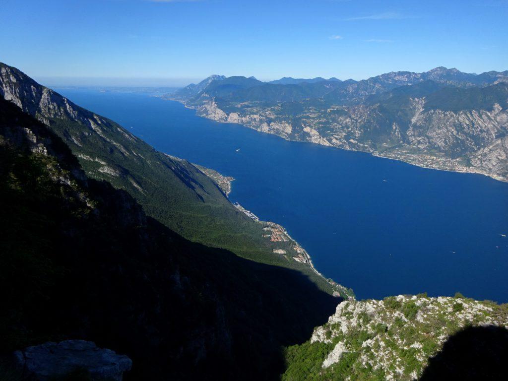 Altissimo di Nago, il lago di Garda dalle Mandriole