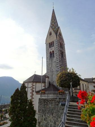 Barbiano campanile pendente