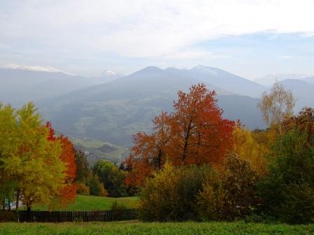 Tre Chiese Dreikirchen vista su Dolomiti