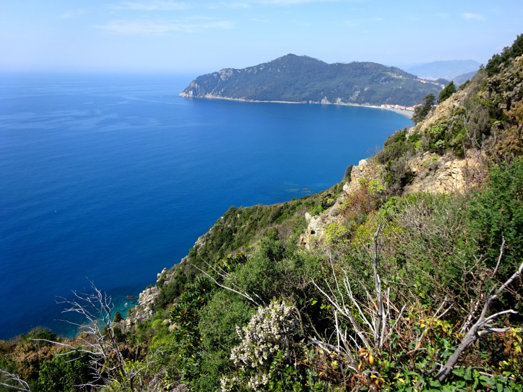 Sentieri Punta Baffe Riva e Punta Manara