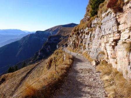 Alta Via Dolomiti 2 strada Rifugio Dal Piaz