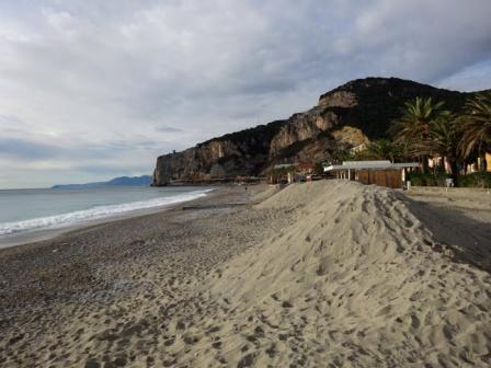 Finale Ligure spiaggia  Sentiero Liguria