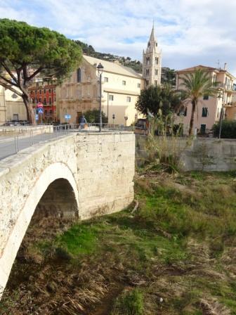 Finale Ligure Sentiero Liguria abbazia