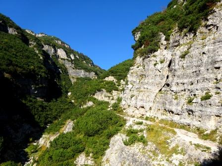 Carega sentiero 185