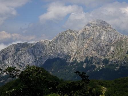 Giro del Monte Sagro Pizzo d'Uccello