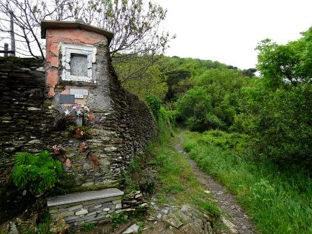 pilastrino votivo Sentiero Liguria Chiavari