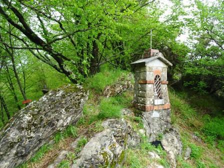 Zoagli pilastrino votivo variante Monte Castello